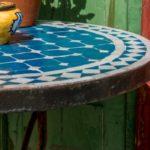 Table de jardin mosaïque et fer forgé